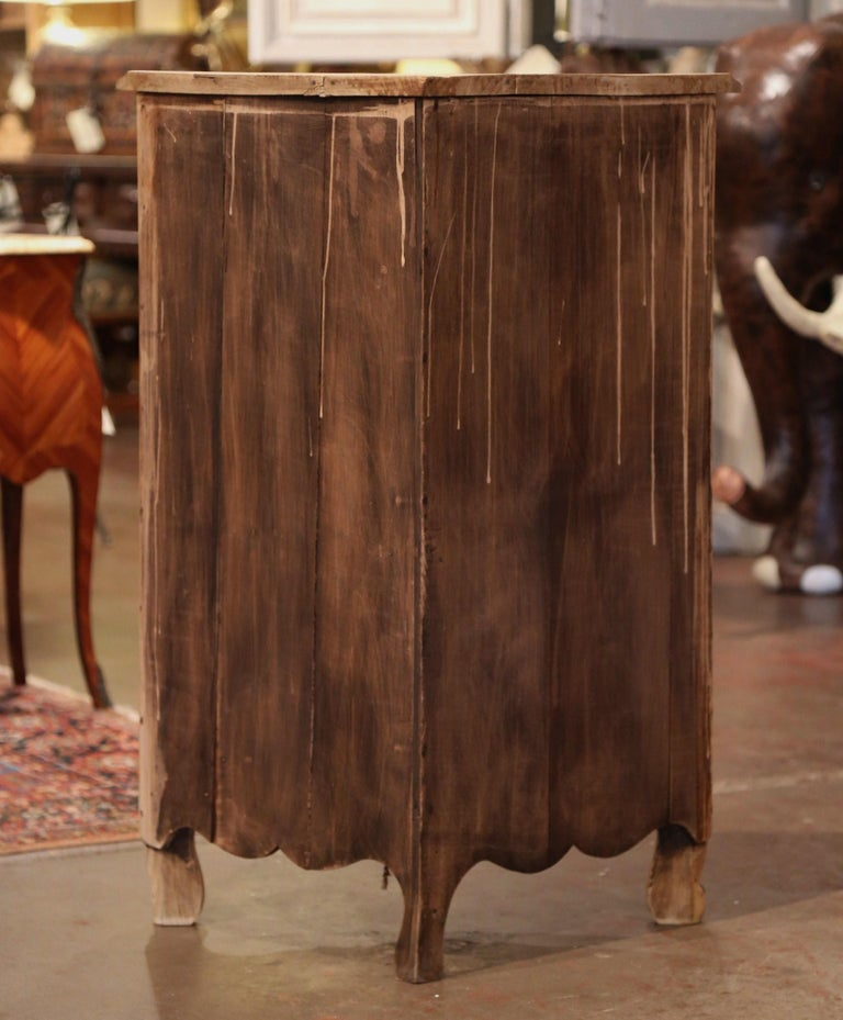 Early 20th Century French Louis XV Carved Oak Corner Cabinet from Normandy For Sale 5