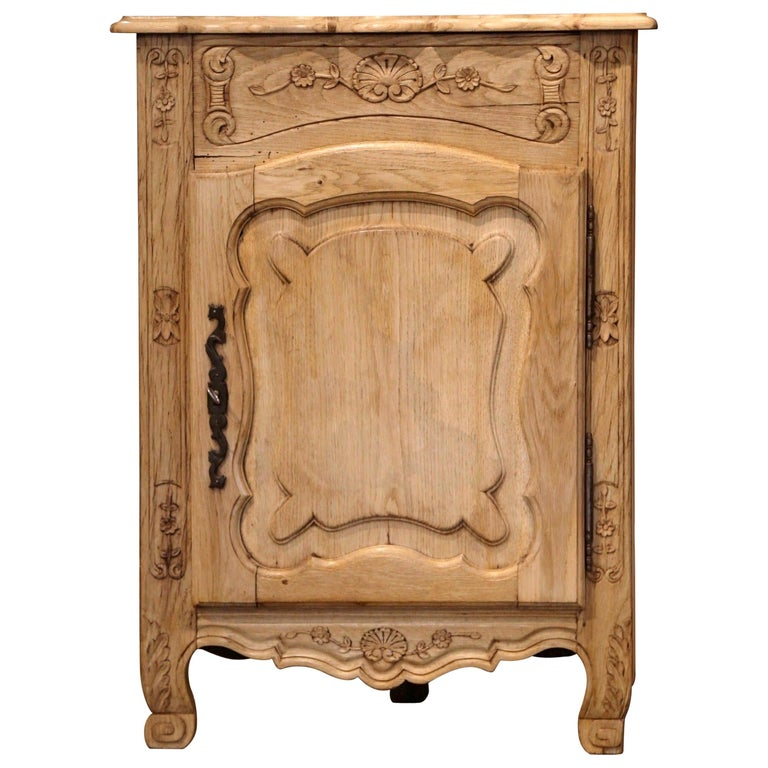 Early 20th Century French Louis XV Carved Oak Corner Cabinet from Normandy For Sale