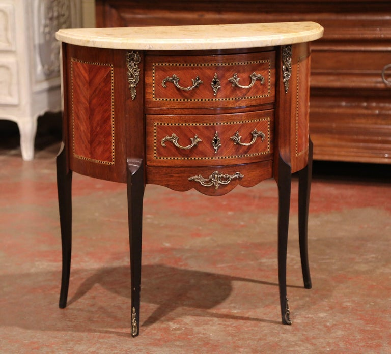 Early 20th Century French Louis XV Carved Walnut Inlay Commode with Beige Marble For Sale 4