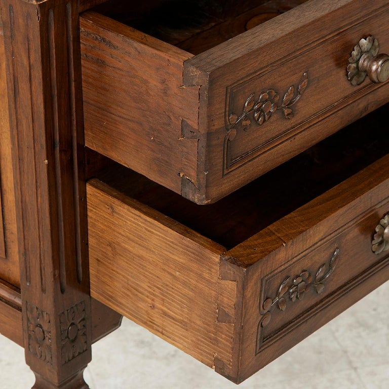 Early 20th Century French Louis XVI Hand-Carved Ash Commode, Chest or Nightstand For Sale 1