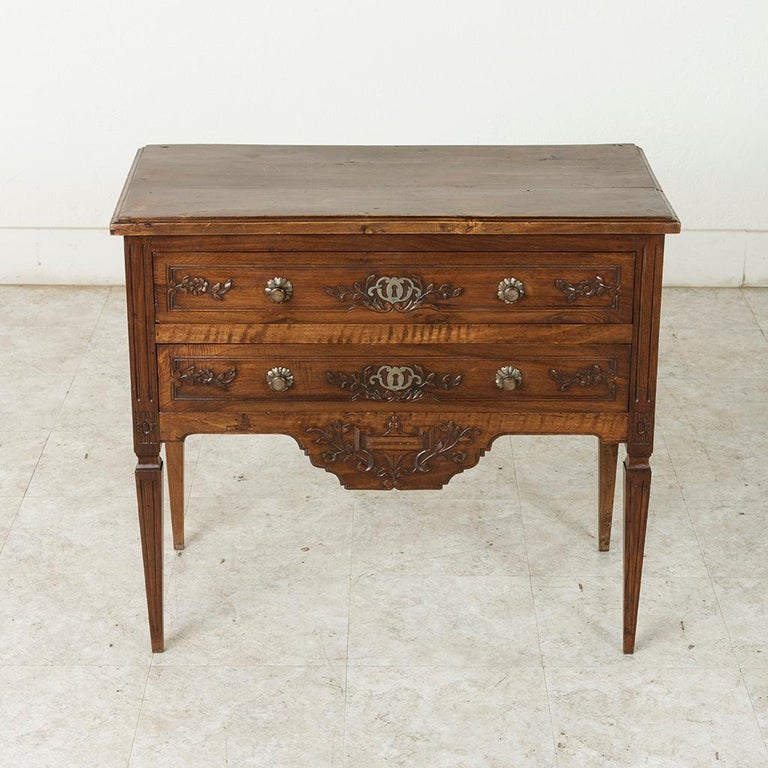 Early 20th Century French Louis XVI Hand-Carved Ash Commode, Chest or Nightstand For Sale 3