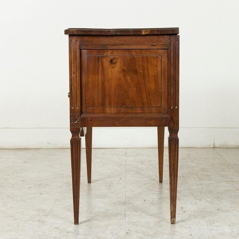 Early 20th Century French Louis XVI Hand-Carved Ash Commode, Chest or Nightstand For Sale 4