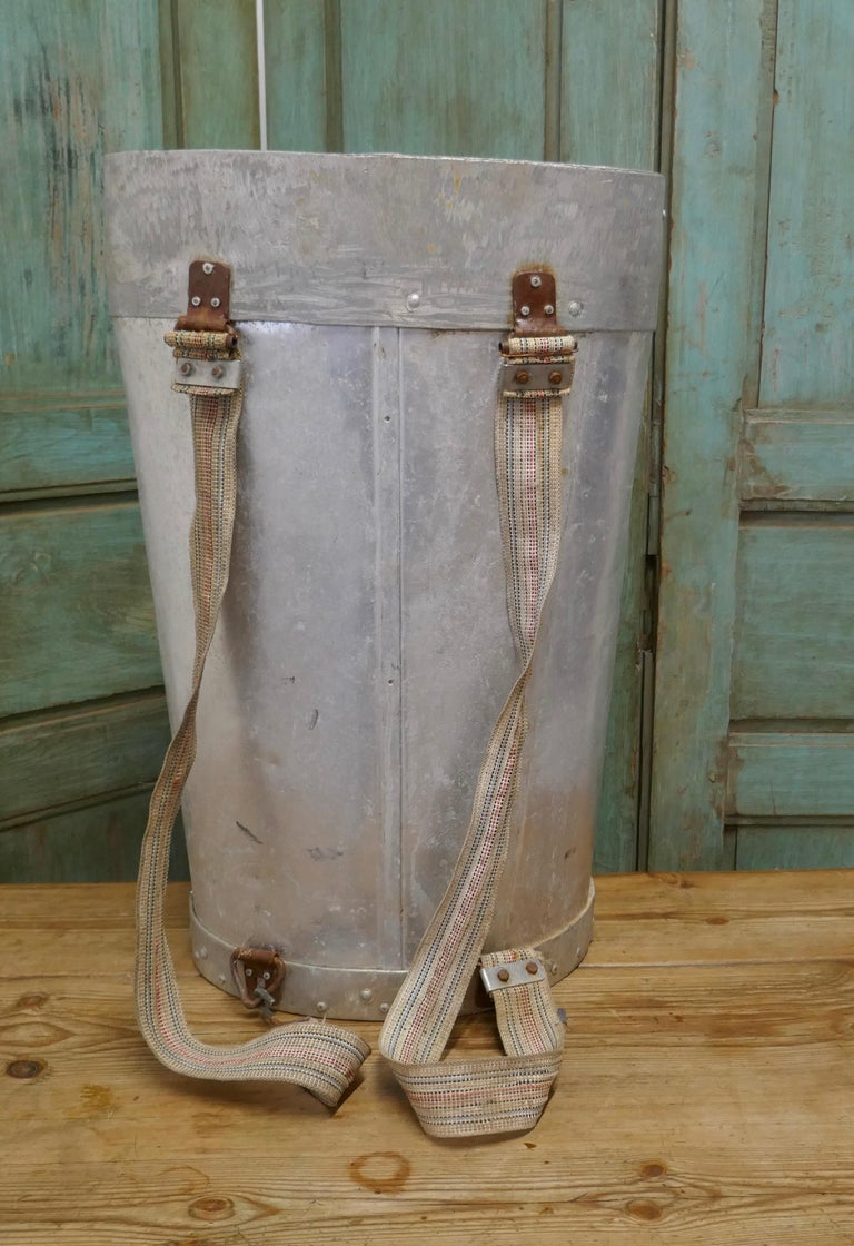 Early 20th Century French Olive Picker's Hod In Good Condition For Sale In Chillerton, Isle of Wight