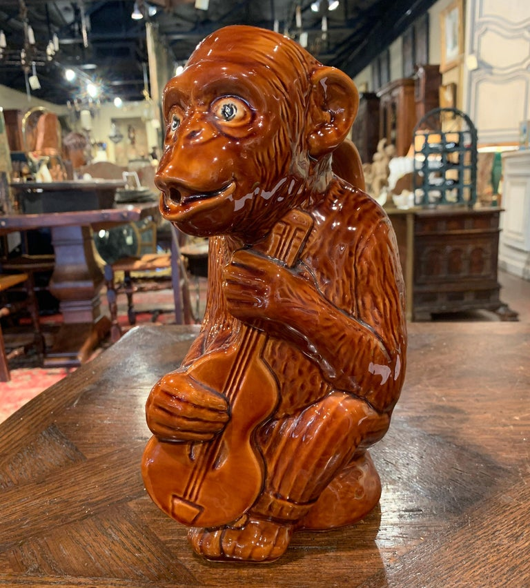 Early 20th Century French Painted Ceramic Barbotine Monkey Pitcher In Excellent Condition For Sale In Dallas, TX