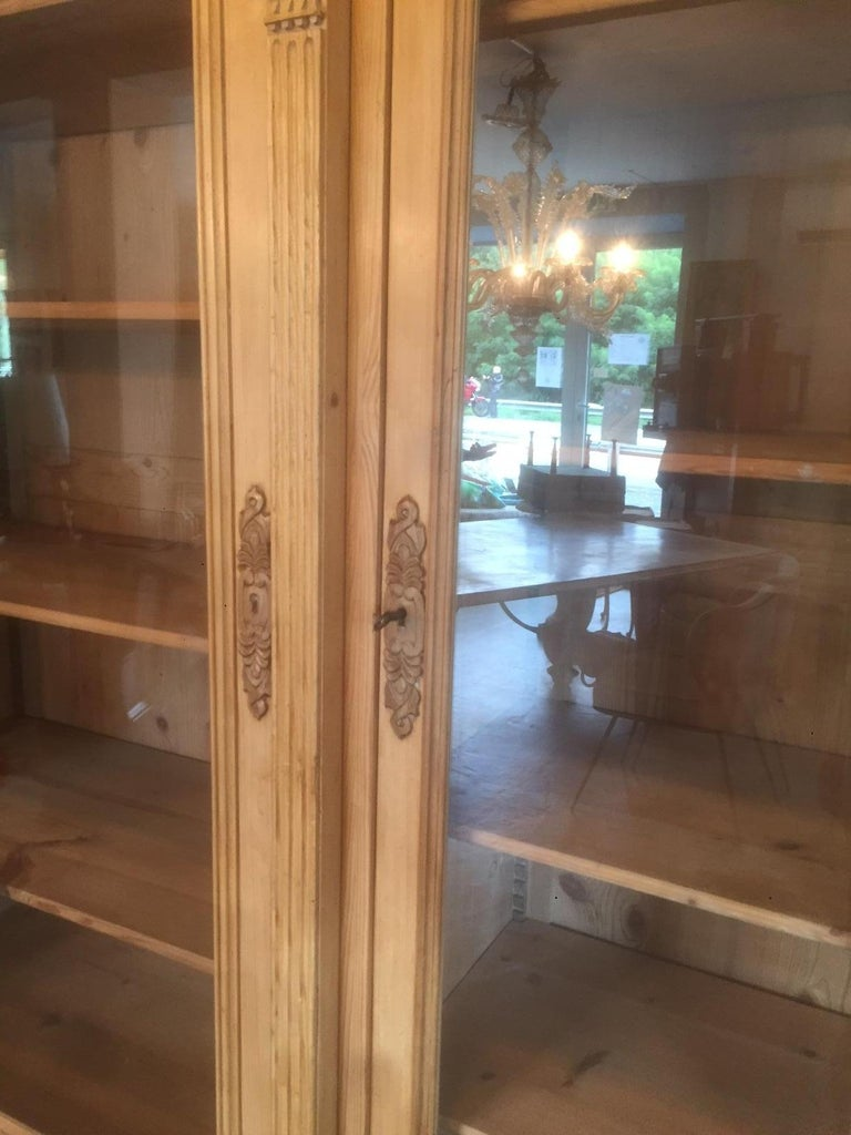 Early 20th Century French Pine Wood Bibliotheque, 1900s In Good Condition For Sale In LEGNY, FR