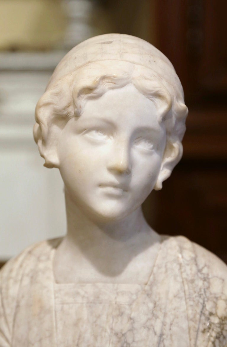 Neoclassical Early 20th Century French Two-Piece Marble Bust Sculpture of Young Beauty For Sale