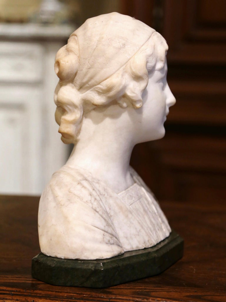 Early 20th Century French Two-Piece Marble Bust Sculpture of Young Beauty For Sale 1