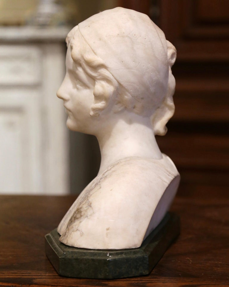 Early 20th Century French Two-Piece Marble Bust Sculpture of Young Beauty For Sale 3