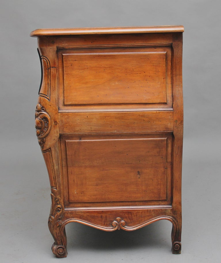 Early 20th Century Fruitwood Commode For Sale 3