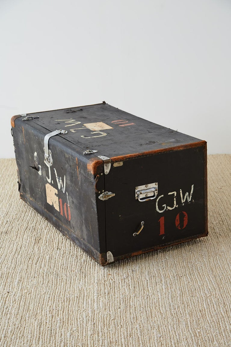 Early 20th Century German Steamer Trunk by Kongsbak In Distressed Condition For Sale In Oakland, CA
