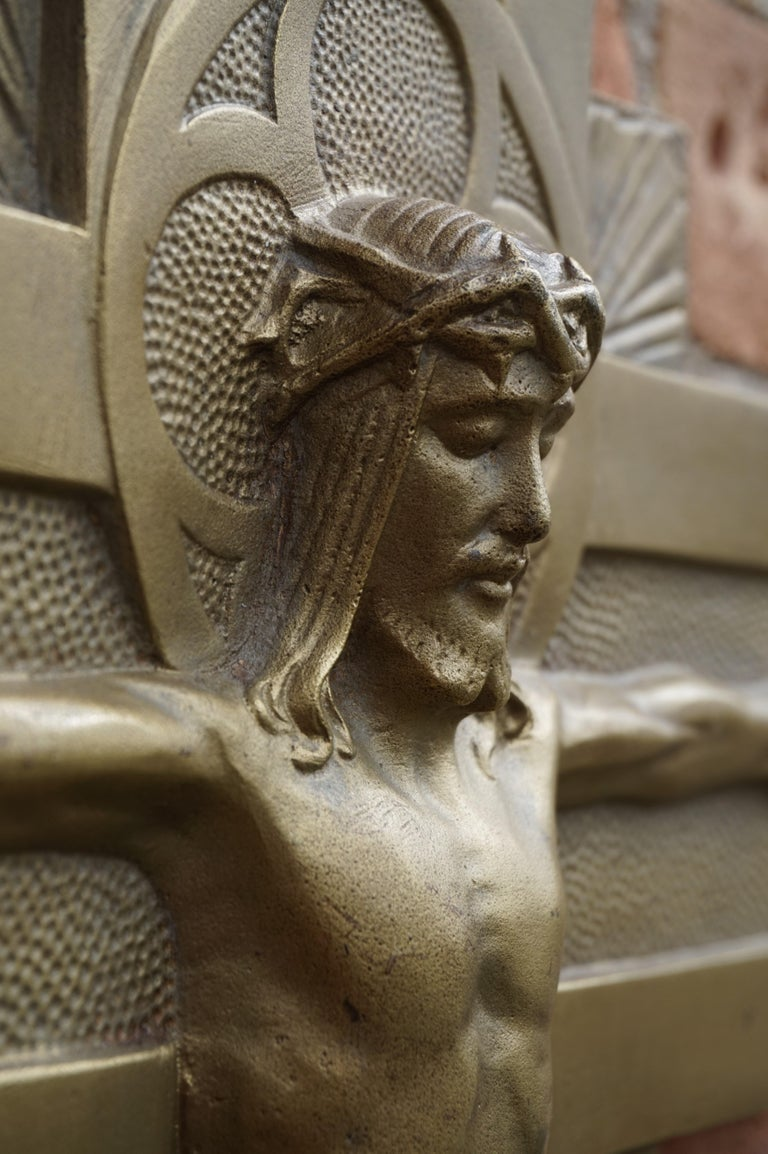 Early 20th Century Gothic Revival Bronze Wall Crucifix by Sculptor Sylvain Norga In Good Condition For Sale In Lisse, NL