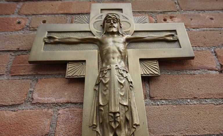 Early 20th Century Gothic Revival Bronze Wall Crucifix by Sculptor Sylvain Norga For Sale 1