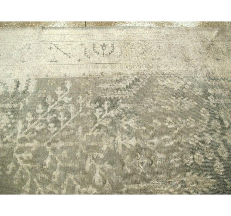 Early 20th Century Grey, Olive, and Beige Large Room Size Turkish Oushak Carpet For Sale 1