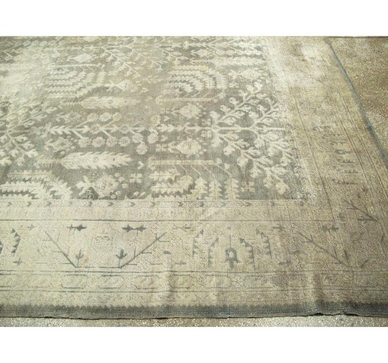 Early 20th Century Grey, Olive, and Beige Large Room Size Turkish Oushak Carpet For Sale 2