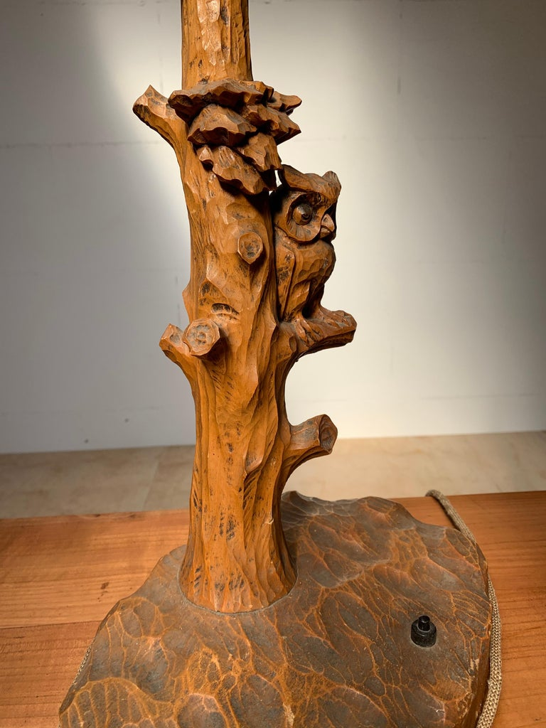 Hand-Carved Early 20th Century Hand Carved Wooden Black Forest Owl in Tree Table / Desk Lamp For Sale