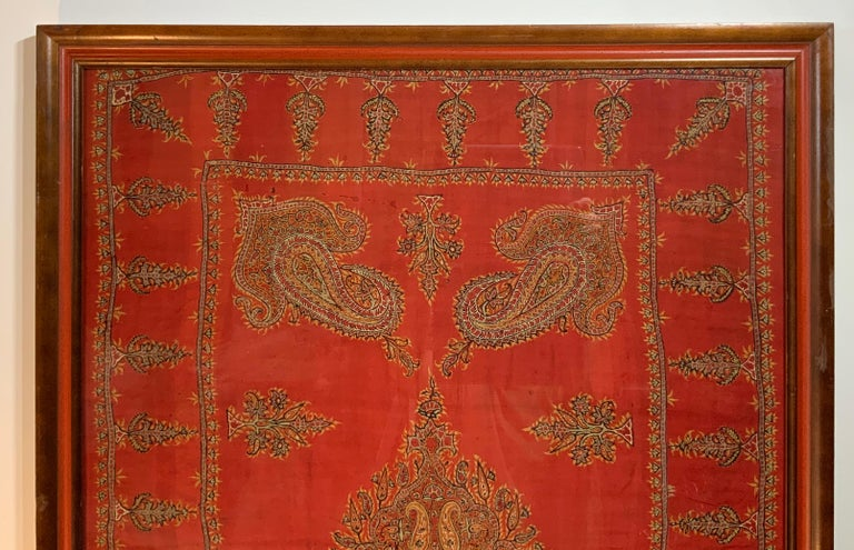 Early 20th Century Hand Embroidery Suzani Wall Hanging In Good Condition For Sale In Delray Beach, FL
