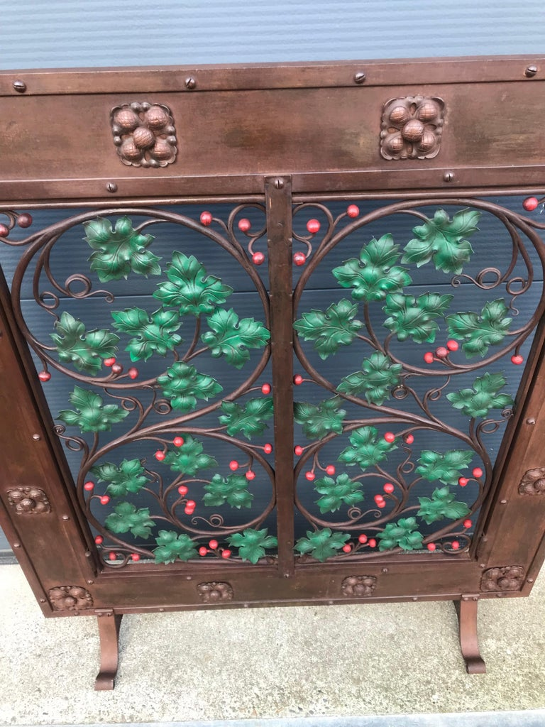Early 20th Century Handcrafted Wrought Iron Firescreen with Branch & Leaf Decor For Sale 8