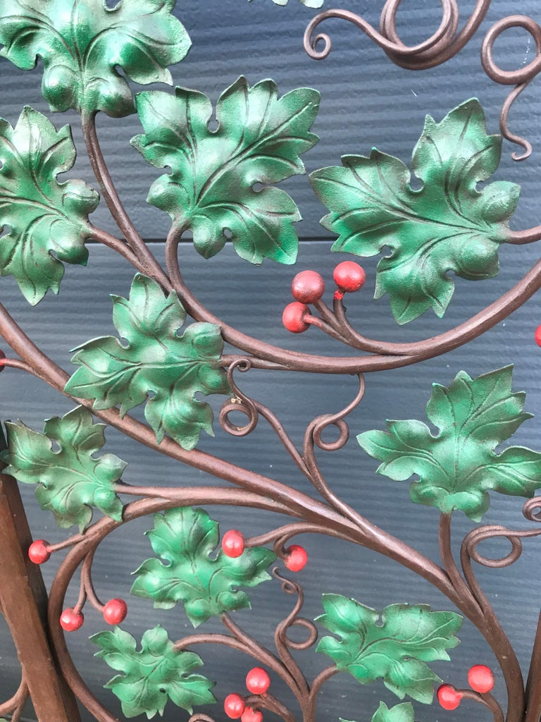 Arts and Crafts Early 20th Century Handcrafted Wrought Iron Firescreen with Branch & Leaf Decor For Sale