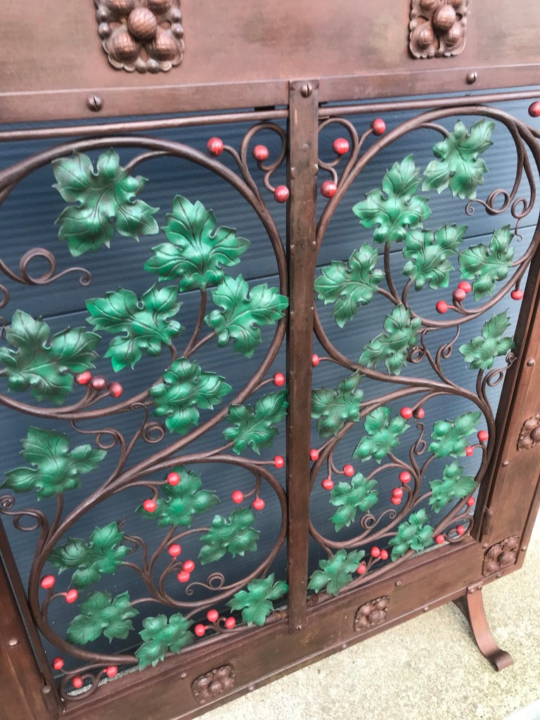 Hand-Crafted Early 20th Century Handcrafted Wrought Iron Firescreen with Branch & Leaf Decor For Sale