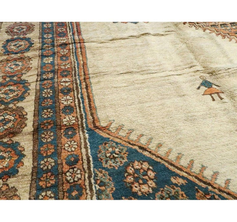 Early 20th Century Handmade Persian Bakshaish Large Room Size Carpet In Good Condition For Sale In New York, NY