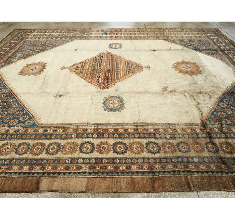 Early 20th Century Handmade Persian Bakshaish Large Room Size Carpet For Sale 2