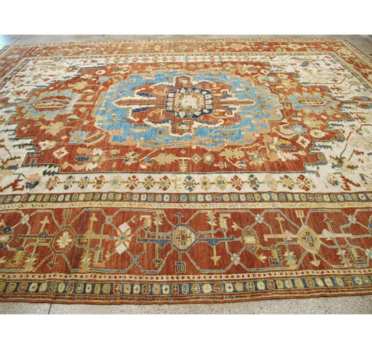 Early 20th Century Handmade Persian Serapi Large Room Size Carpet For Sale 3