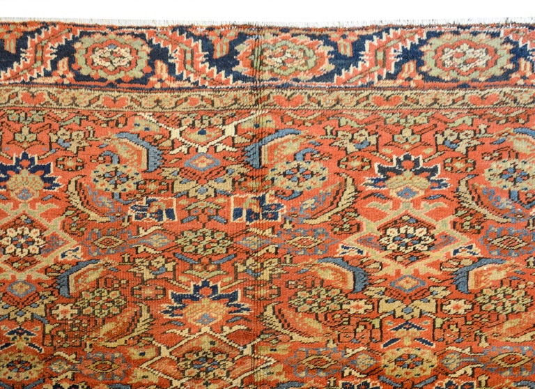 Early 20th Century Heriz Rug In Good Condition For Sale In Chicago, IL