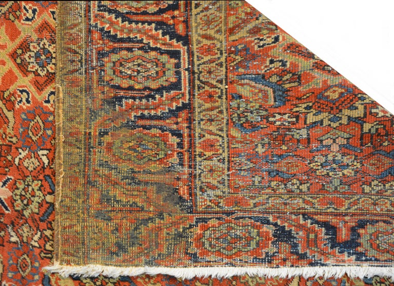 Early 20th Century Heriz Rug For Sale 1