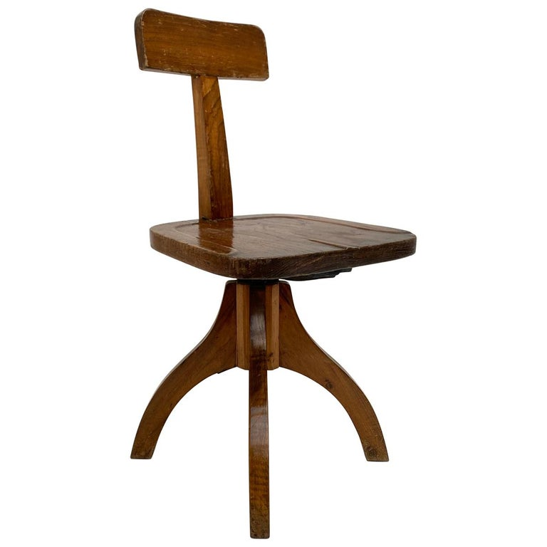 Early 20th Century Industrial Cast Iron and Solid Oakwood Swiveling Desk Chair For Sale