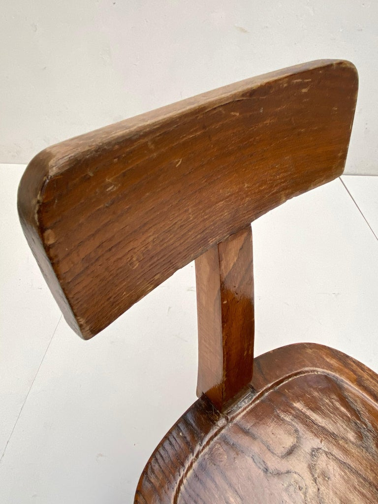 Early 20th Century Industrial Cast Iron and Solid Oakwood Swiveling Desk Chair For Sale 5