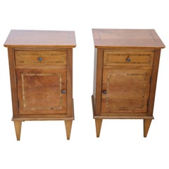 Early 20th Century Inlaid Walnut Italian Louis XVI Style Pair of Nightstands