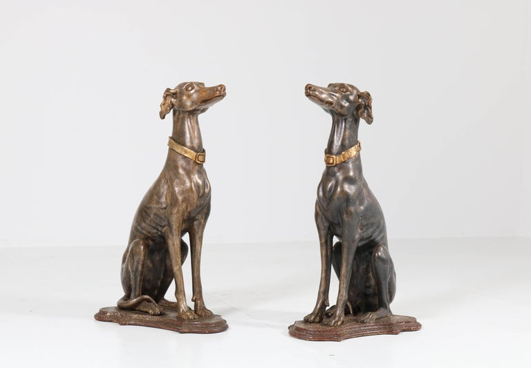 Early 20th Century Italian Carved Wood Seated Greyhound Sculptures In Good Condition For Sale In Amsterdam, NL