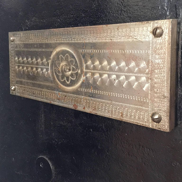 Early 20th Century Italian Cast Iron Safe from the Conte Di Savoia Ocean Liner For Sale 1