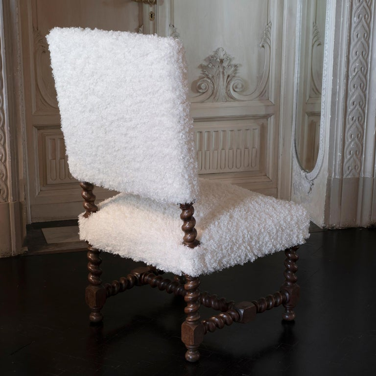 Early 20th Century Italian Chair Walnut and White Curly Wool Fabric For Sale 2