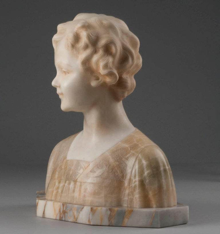 Early 20th Century Italian Marble Bust of a Child by Trefoloni For Sale 7