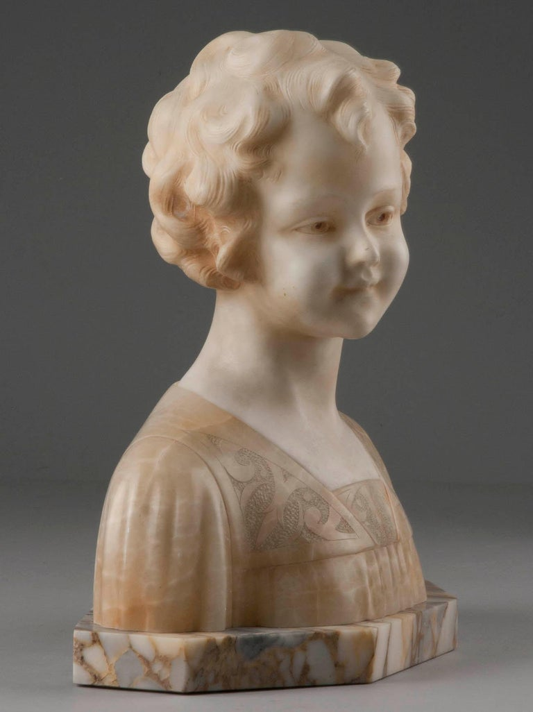 Early 20th Century Italian Marble Bust of a Child by Trefoloni For Sale 11