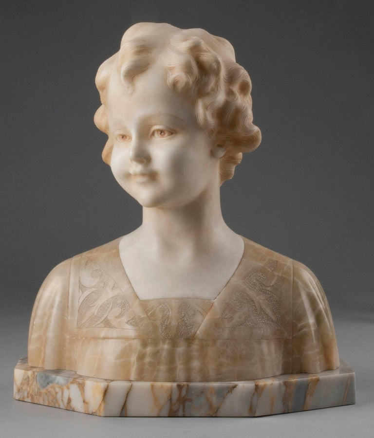 Early 20th Century Italian Marble Bust of a Child by Trefoloni For Sale 12