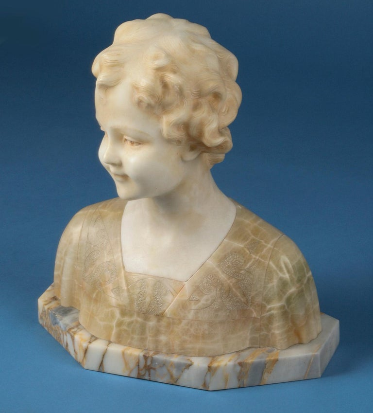Early 20th Century Italian Marble Bust of a Child by Trefoloni For Sale 13