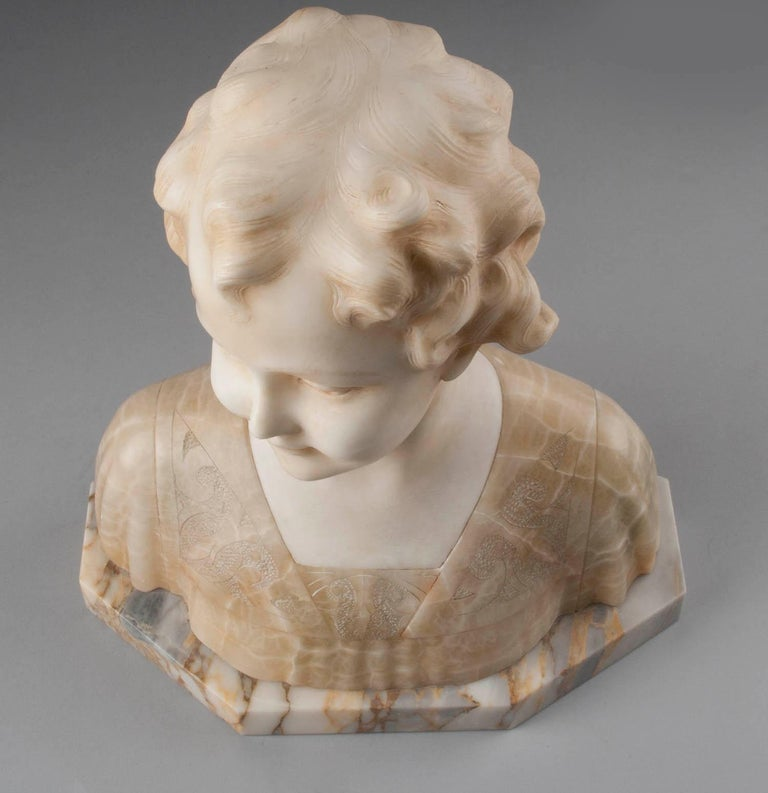 Early 20th Century Italian Marble Bust of a Child by Trefoloni For Sale 1