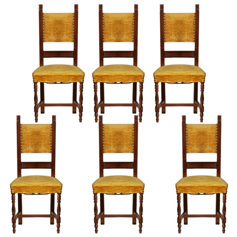 Early 20th Century Italian Set Six Renaissance Chairs in Walnut Wax-Polished For Sale