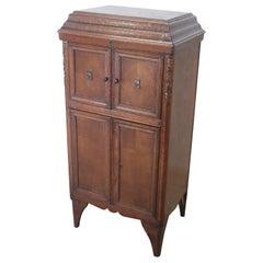 Early 20th Century Italian Solid Oakwood Cabinet