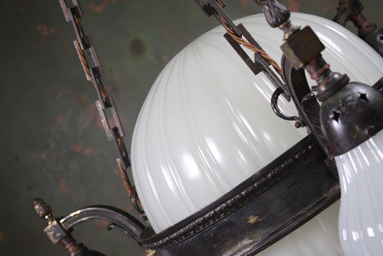 Early 20th Century Jefferson & Co. for G.E.C Moonstone Chandelier Light Pendant For Sale 5