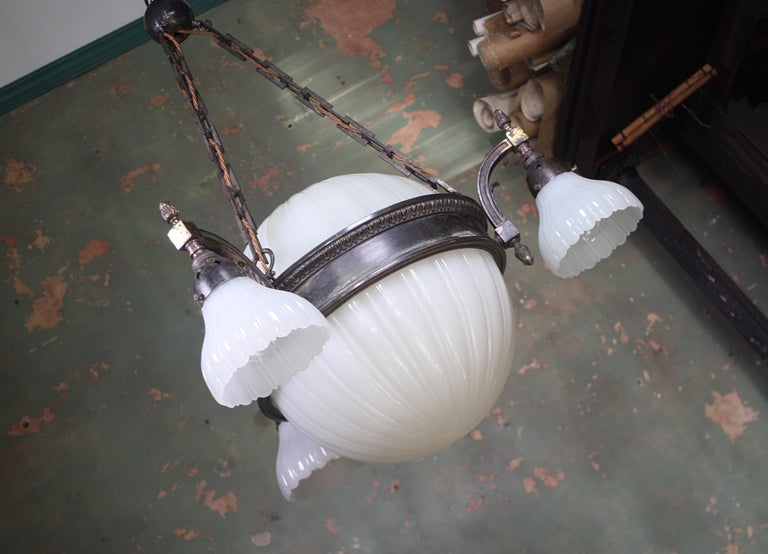 Early 20th Century Jefferson & Co. for G.E.C Moonstone Chandelier Light Pendant For Sale 11
