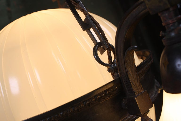 English Early 20th Century Jefferson & Co. for G.E.C Moonstone Chandelier Light Pendant For Sale