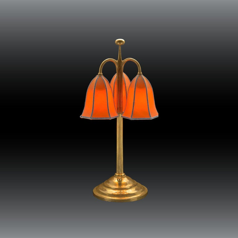 A very charming table lamp with fabric-shades in any colour. Base diameter 20cm (7.9