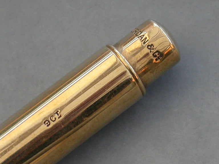 Early 20th Century Large 9 Carat Gold and Enamel Gravity Drop Propelling Pencil In Good Condition For Sale In Sittingbourne, Kent