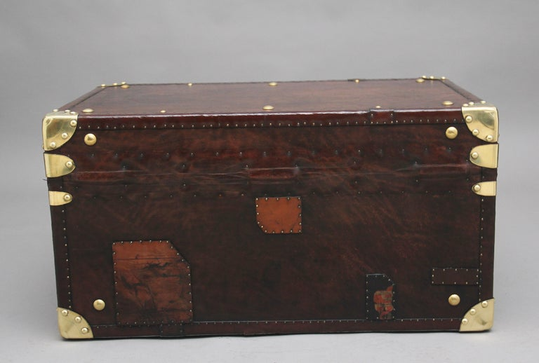 Early 20th Century Leather Bound Ex Army Trunk In Good Condition For Sale In Martlesham, GB