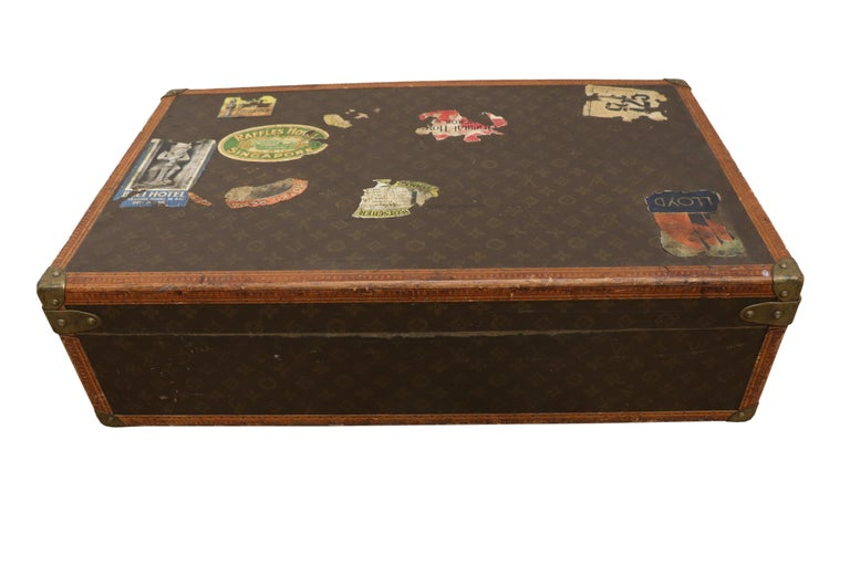 Early 20th Century Louis Vuitton Paris Monogram Canvas Trunk, Travel Suitcase For Sale 4