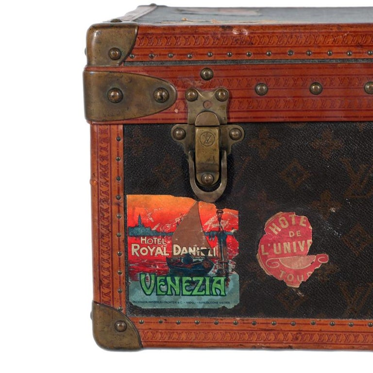 Early 20th Century Louis Vuitton Paris Monogram Canvas Trunk, Travel Suitcase For Sale 6