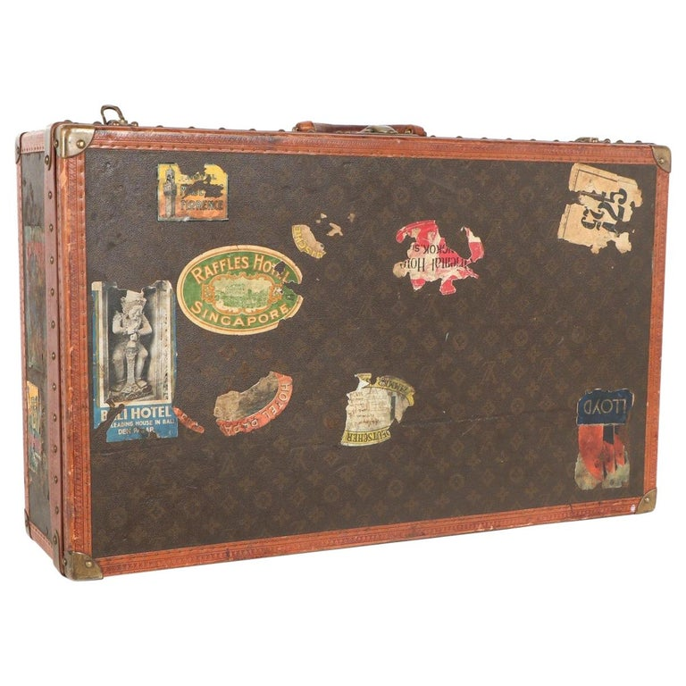 Early 20th Century Louis Vuitton Paris Monogram Canvas Trunk, Travel Suitcase For Sale
